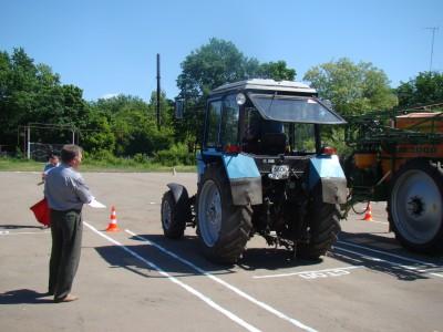 фото Вождение колёсного трактора